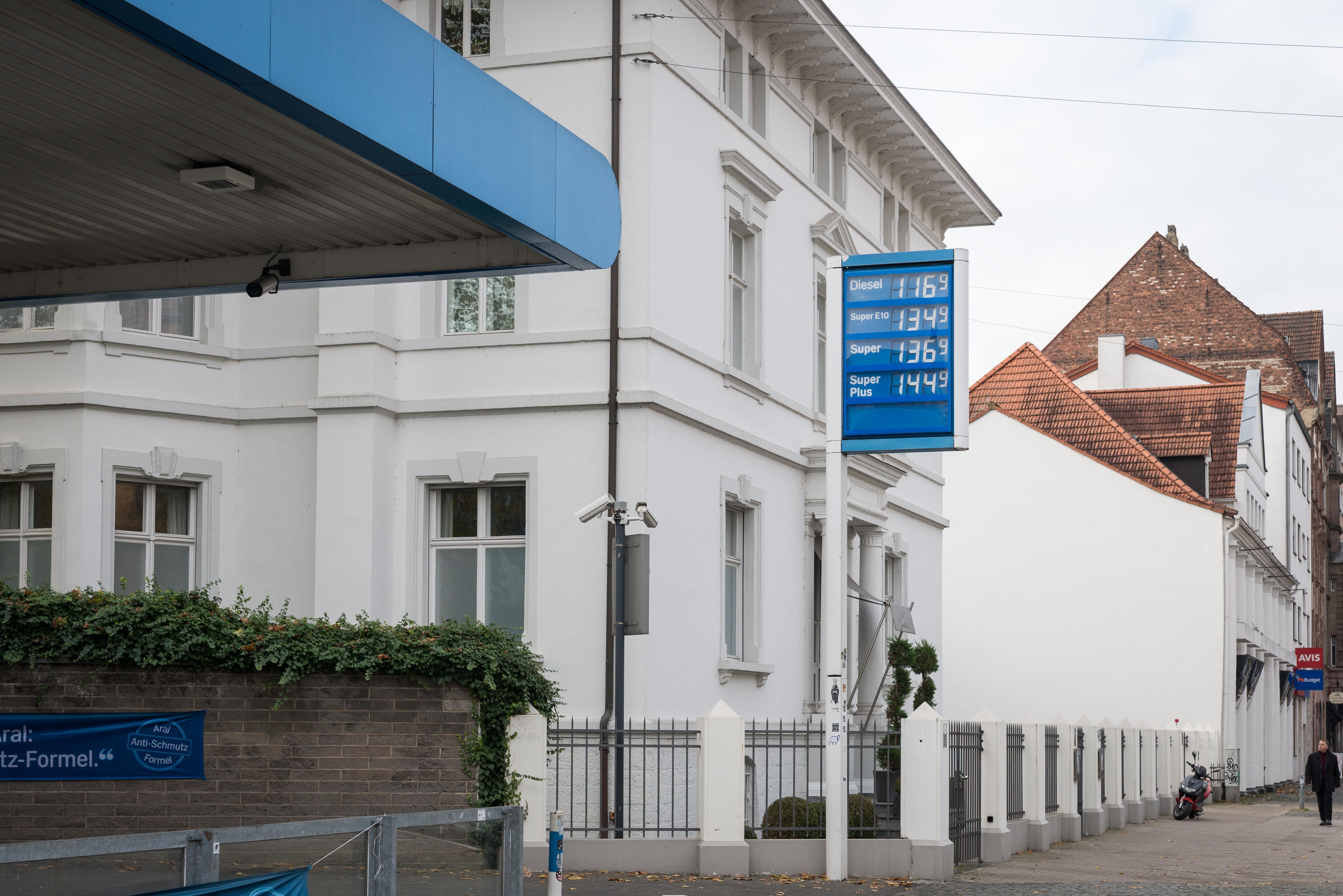 Erfort, Saarbrücken: Tankstelle